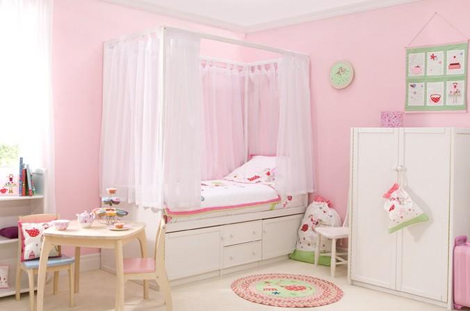 Children's White Four Poster Bed