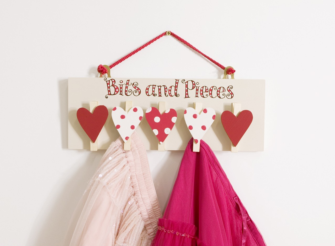 Bits and Pieces Pegs - Red Heart