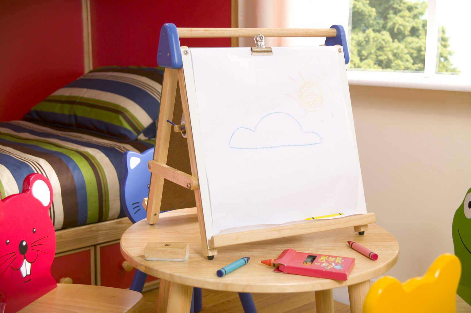 Tabletop Magnetic Easel and Chalkboard