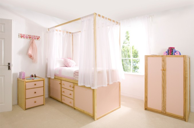 Kids Four Poster Cabin Bed   Available In Pink U0026 White Panel