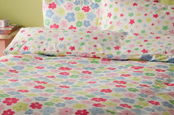Stars and Flowers Double Bedding