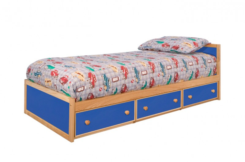 Toddler Bed - Available in Blue and Pink