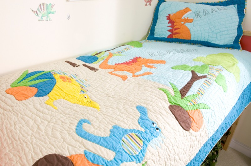Dinosaur Quilt and Pillowsham - Single