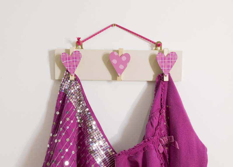 Three Pegs - Hearts