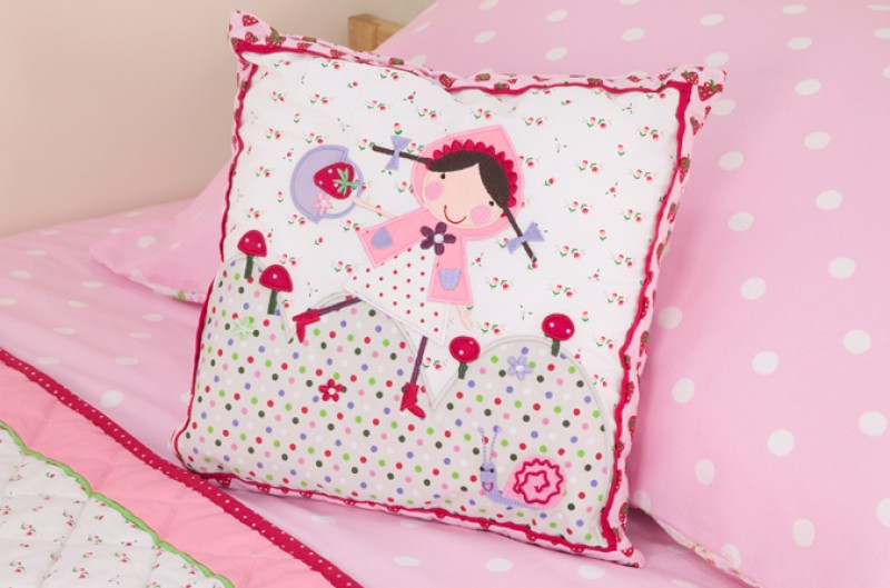 Strawberry Patch Cushion