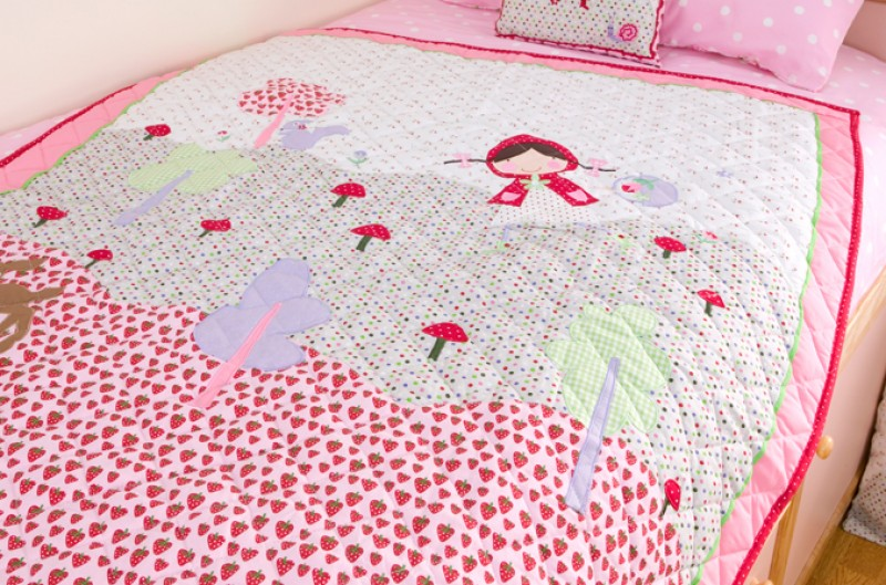 Strawberry Patch Quilt