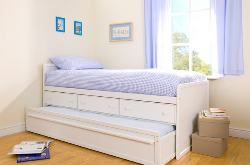 White Sleepover Bed with Drawers