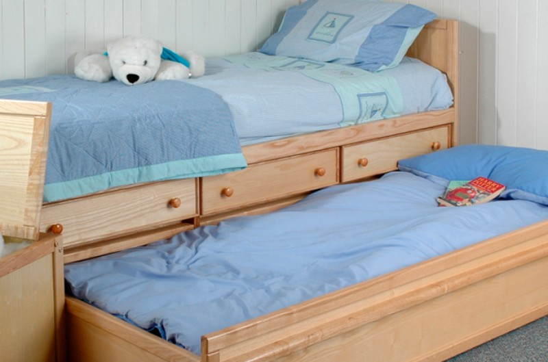 Wooden Sleepover Bed with Drawers